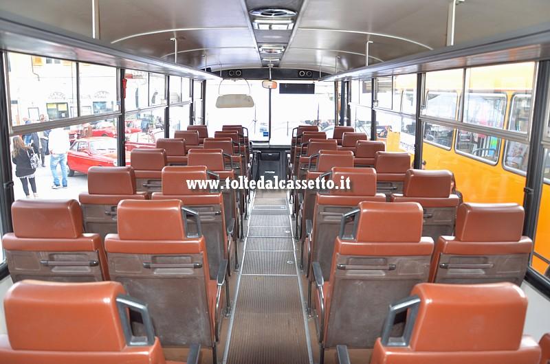Autobus Fiat 308 Cameri Interno E Posti A Sedere