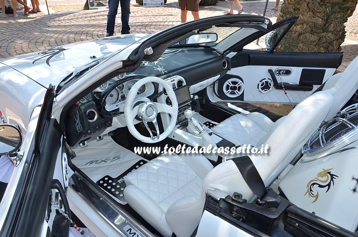 Guida Interni Of Tuning Mazda Mx5 Posto Guida E Interni In Pelle Bianco Nera