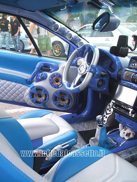 Tuning Opel Tigra Posto Guida E Interni Bianco Azzurro Blu